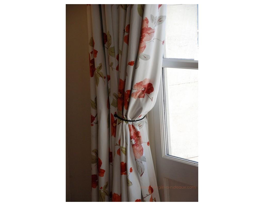 accessoires et embrasses pour tringle rideaux sur mesure. Black Bedroom Furniture Sets. Home Design Ideas