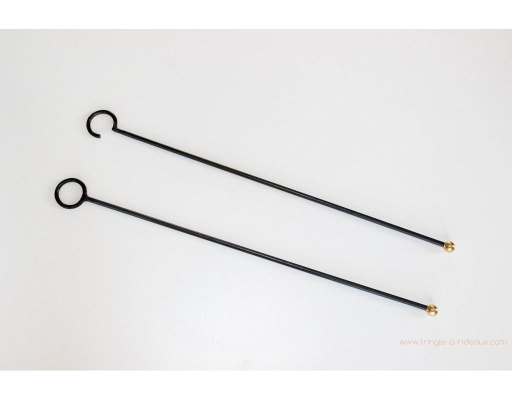 accessoires et lance rideau pour tringle rideaux sur mesure en fer forg tringle a. Black Bedroom Furniture Sets. Home Design Ideas